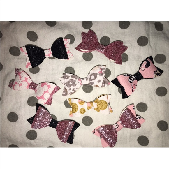 Custom Minnie Mouse Bows